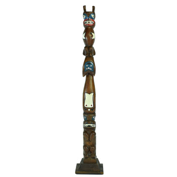American Indian  3' to 6', carvings, northwest, totems  Northwest Coast Cedar Totem