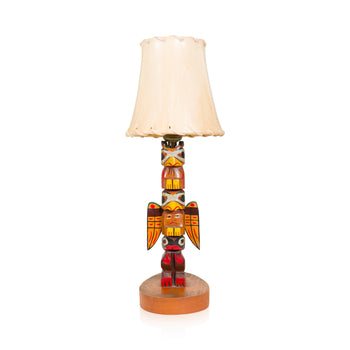 Lodge Furnishings  <1', carvings, lamps, lighting, lodge furnishings: lighting: table lamp, totems  Alaskan Totem Lamp