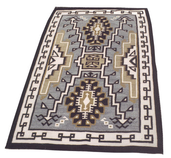American Indian  4' to 6', navajo, rugs, two grey hills, weavings  Navajo Two Gray Hills Rug