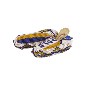 American Indian  baby moccasins, beadwork, cermonial moccasins, child's moccasins, moccasins, sioux  Sioux Ceremonial Baby Moccasins