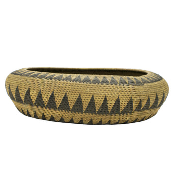 American Indian  baskets, pomo  Pomo Boat-shaped Basket