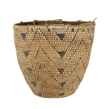 American Indian  baskets, klickitat  Klickitat Basket with Triangle  Design