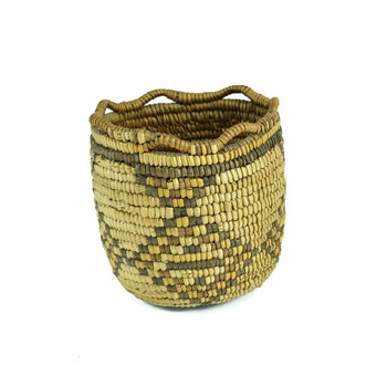 American Indian  baskets, klickitat  Polychrome Klickitat Basket