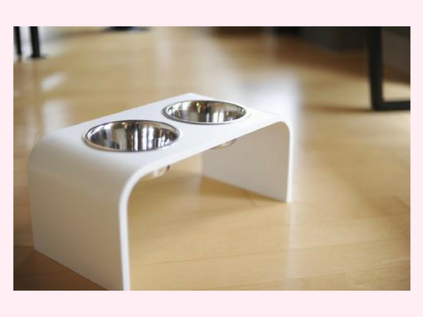 6 inch Elevated Dog Feeders with two 1 Quart Bowls