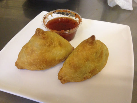 Samosa aux légumes / Vegetable Samosa (2 pieces) (Vegan)