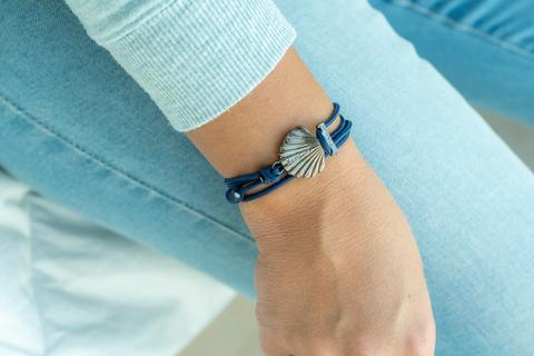 Seashell Bracelet - Navy