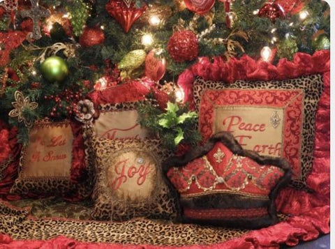 Christmas_in_July_Sale-Christmas_decor-Christmas_pillows-tree_skirts-Christmas_candles-reilly_chance_collection