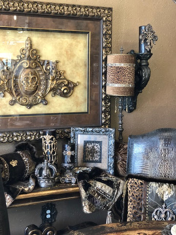 Luxury_home_decor_store-decorative_pillows-designer_table_runners-decorative_candles-wall_art-visser_art-sir_oliver's_candles-reilly_chance_collection