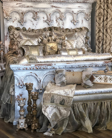 luxury-old_world_bedding-home_decor-store-luxury_home_accessories-romantic_bedding-designer_bed_sets-reilly_chance