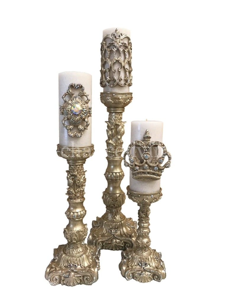 Decorative_candles-triple_scented_candles-beautiful_candles-jeweled_crown_candles-jeweled_candles-fleur_de_lis_candles-_big_candles-sir_oliver_s_candles-reilly_chance