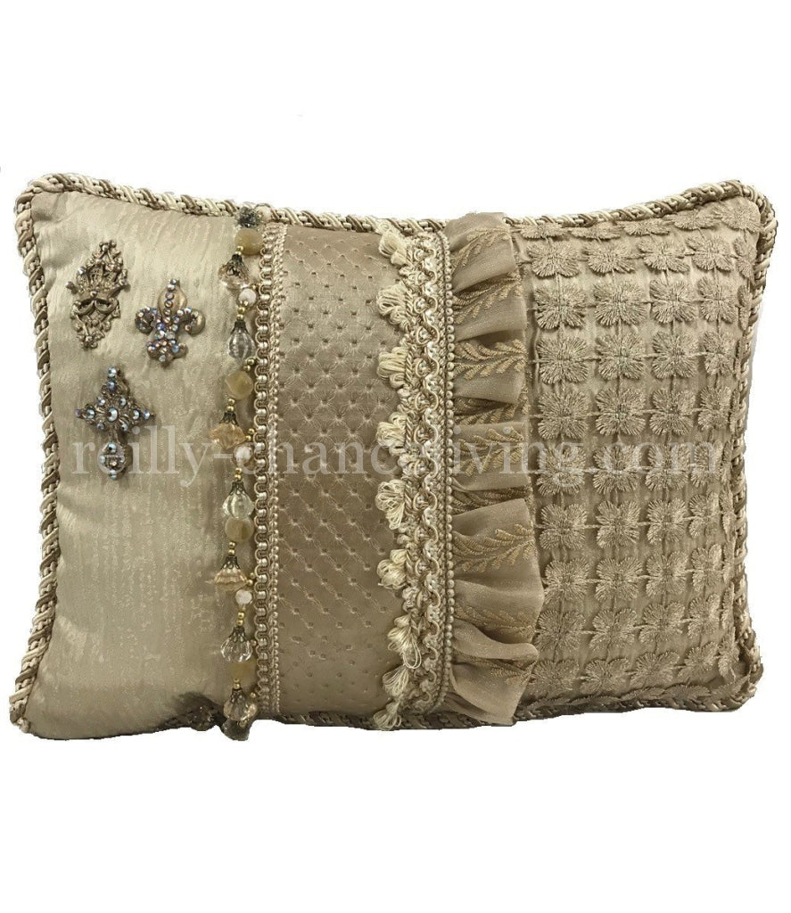Decorative_pillow-luxury_bedding-neutral_accent_pillow-accent_pillow-home_decor-reilly_chance_collection