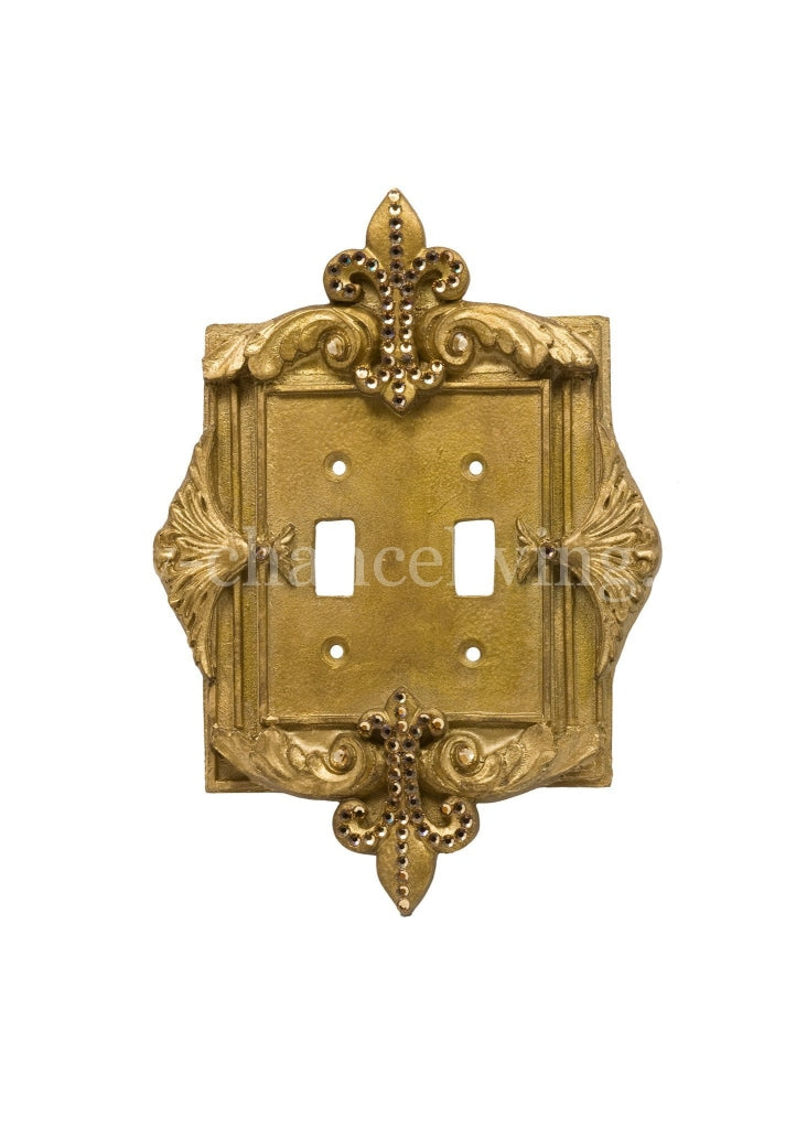 Decorative_switch_plate_covers-swarovski_crystals-fleur_de_lis-double_flip_switch-sir_olivers-reilly_chance_collection