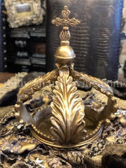 Table_top_decor-large_crown_sculpture-Table_crown-old_world_decor-tuscan_decor-french_country_decor-reilly_chance_675