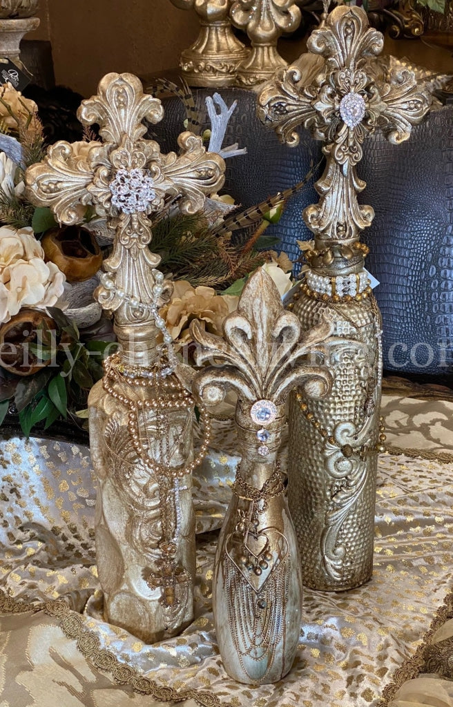 Michelle_Butler_decorative_bottles-Michelle_Butler_fleur_de_lis_bottles-old_world_decor-bottles_with_crown_tops-reilly_chance