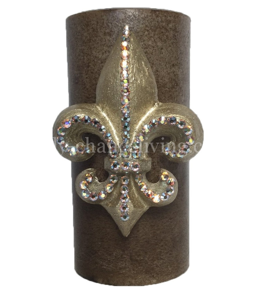 Triple_scented_decorative_candle-3x6-light_brown-fresh_linen-champagne_jeweled-fleur_de_lis-sir_olivers-reilly_chance_collection