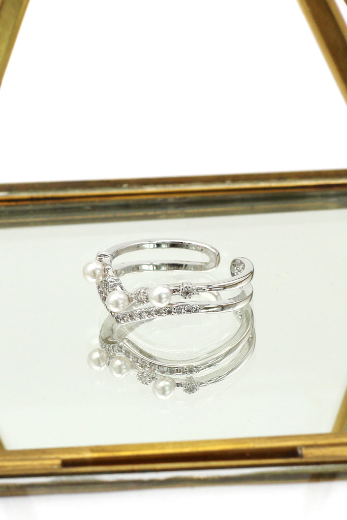 fashion mini crystal pearl silver ring