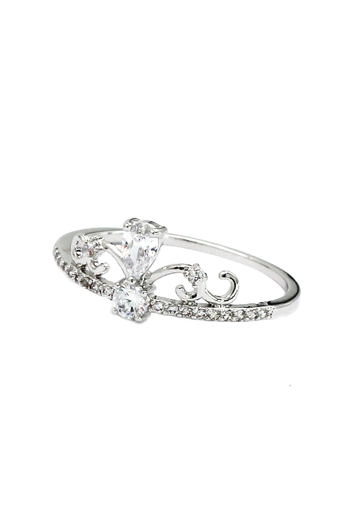 elegant silver crystal ring