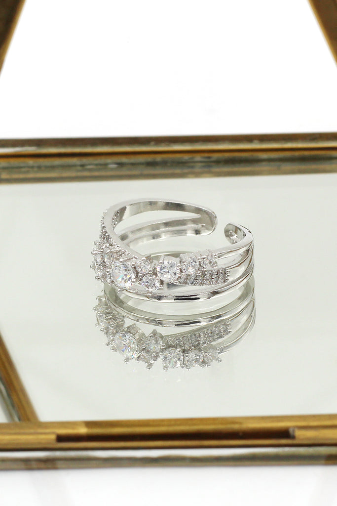 fashion row sparkling crystal ring