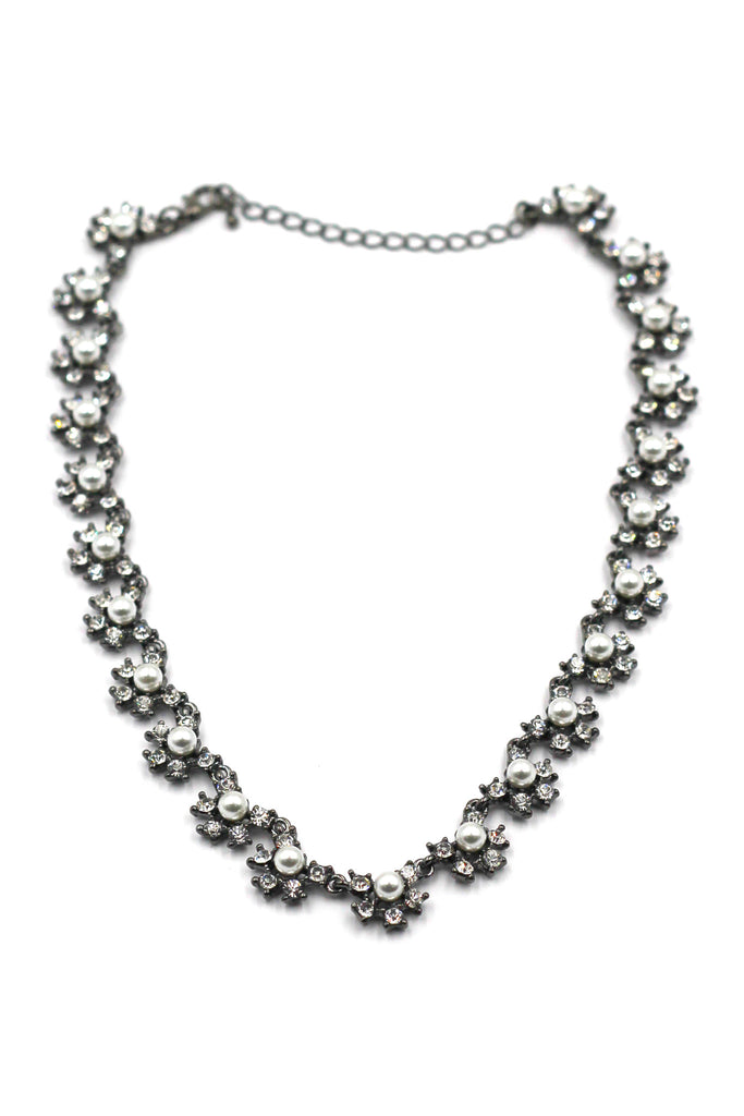 Classic pearl and crystal silver necklace
