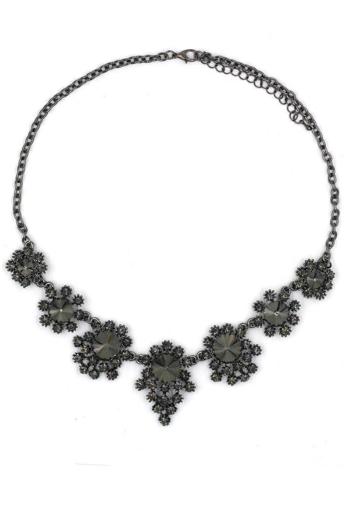 noble flower crystal black necklace