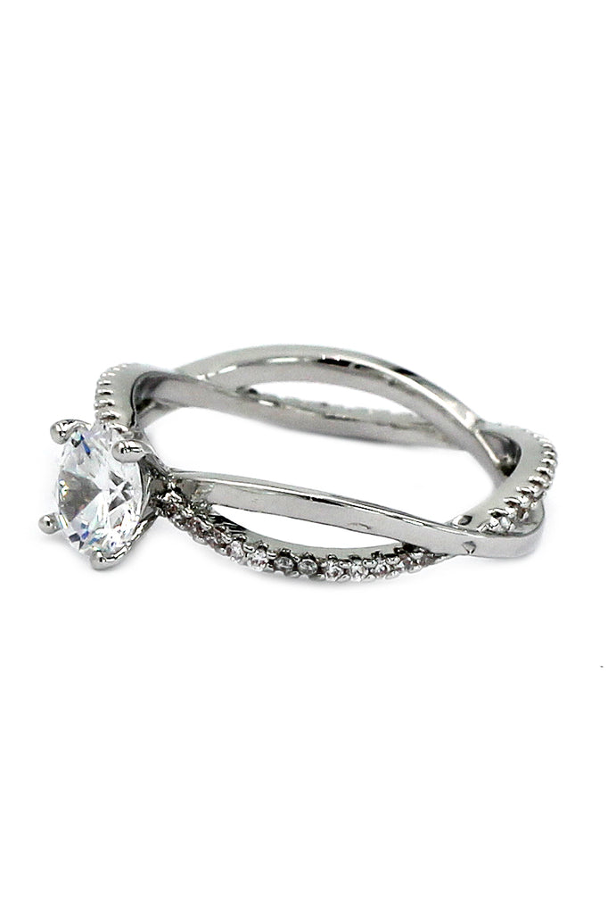 personality twist crystal ring
