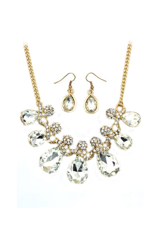 elegant golden crystal necklace