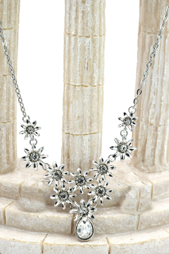 brilliant silver flowers color crystal necklace