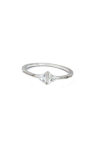delicate flower crystal ring