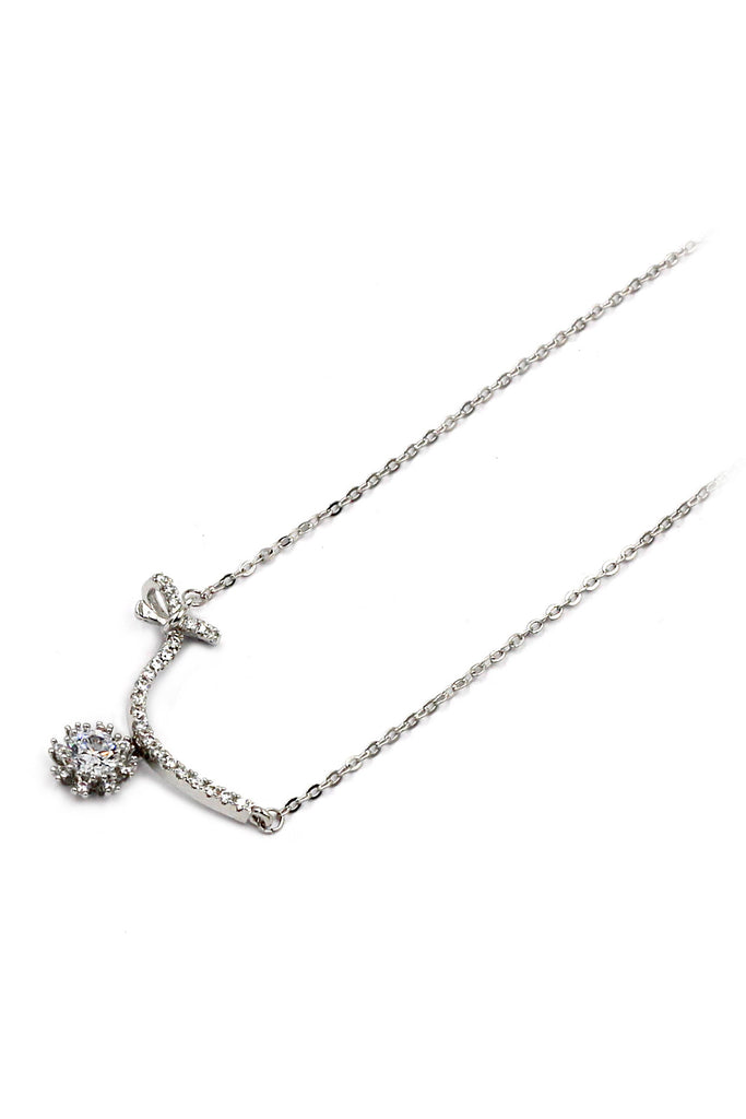 elegant crystal silver clavicle necklace