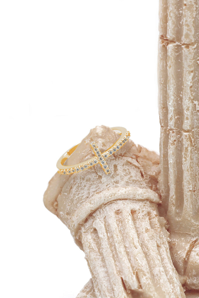 micro-set crystal cross ring