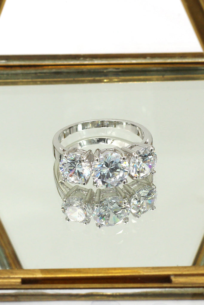 shining round crystal ring