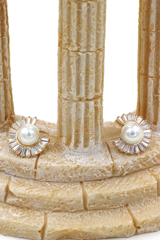 noble  circle crystal pearl earrings