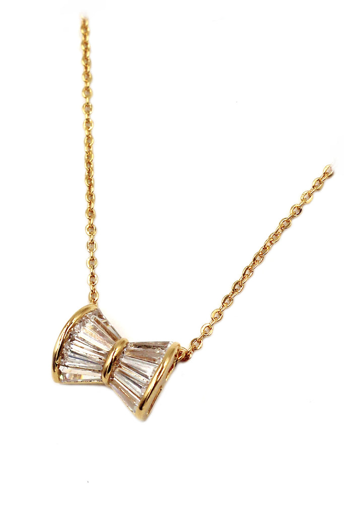 loverly butterfly crystal  necklace
