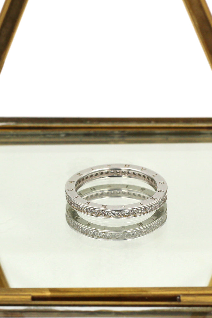 fashion group with row diamond ring