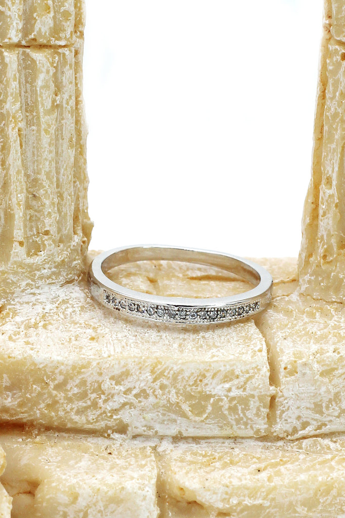 fashion recessed small crystal silver ring