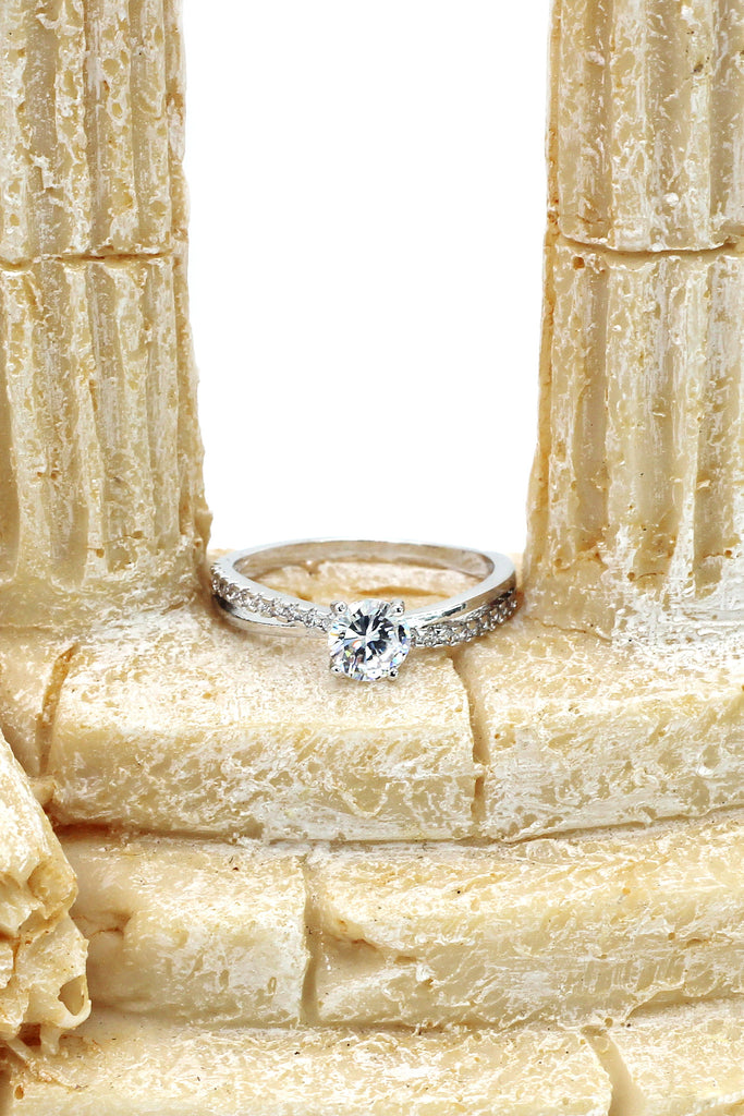 fashion embed crystal silver ring