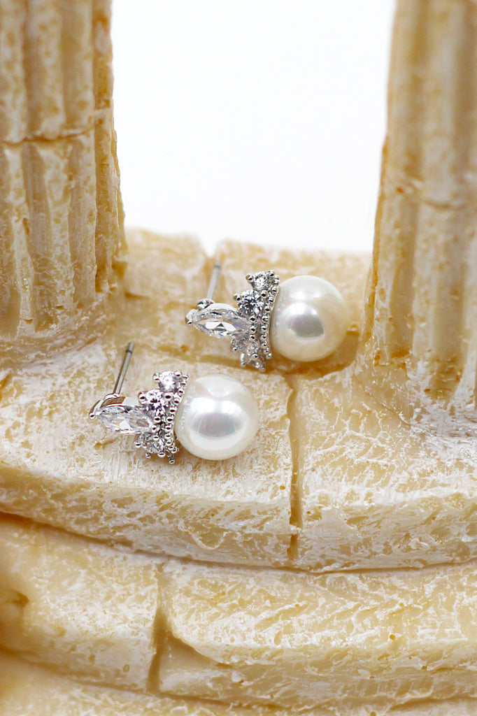 Noble pearls crown crystal earrings