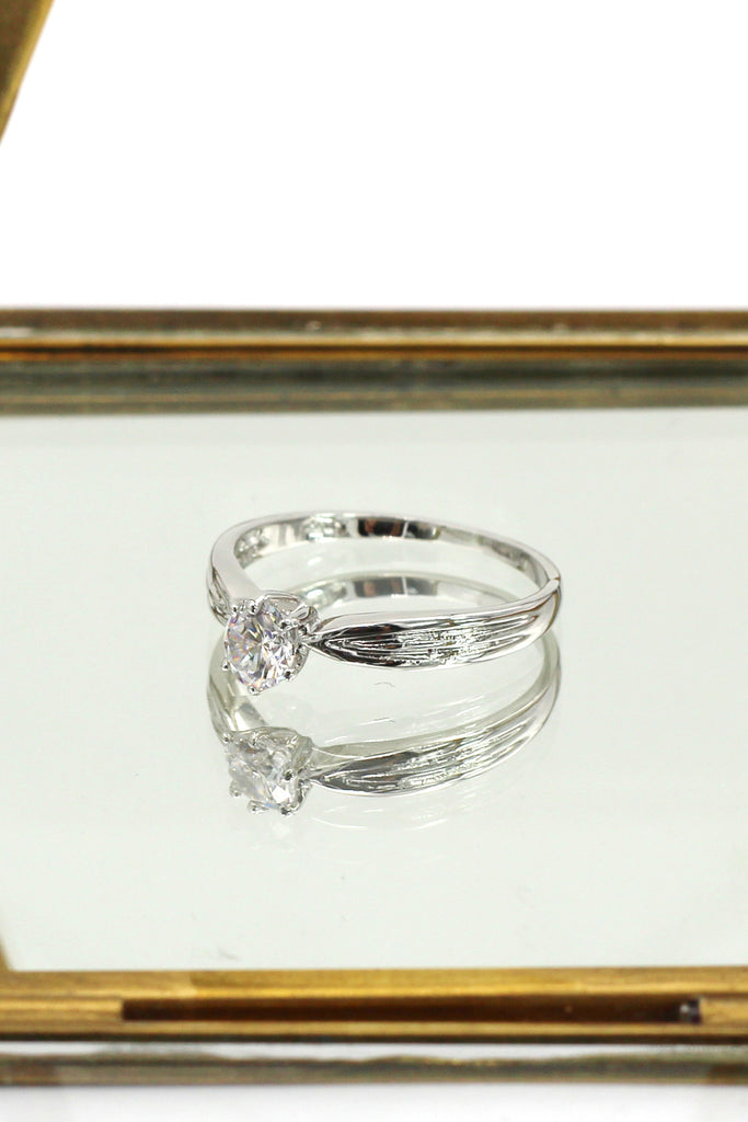 single small crystal silver ring