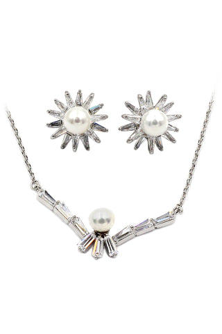 stylish silver shiny crystal necklace earrings set