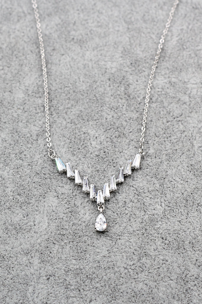 delicate pendant crystal silver necklace