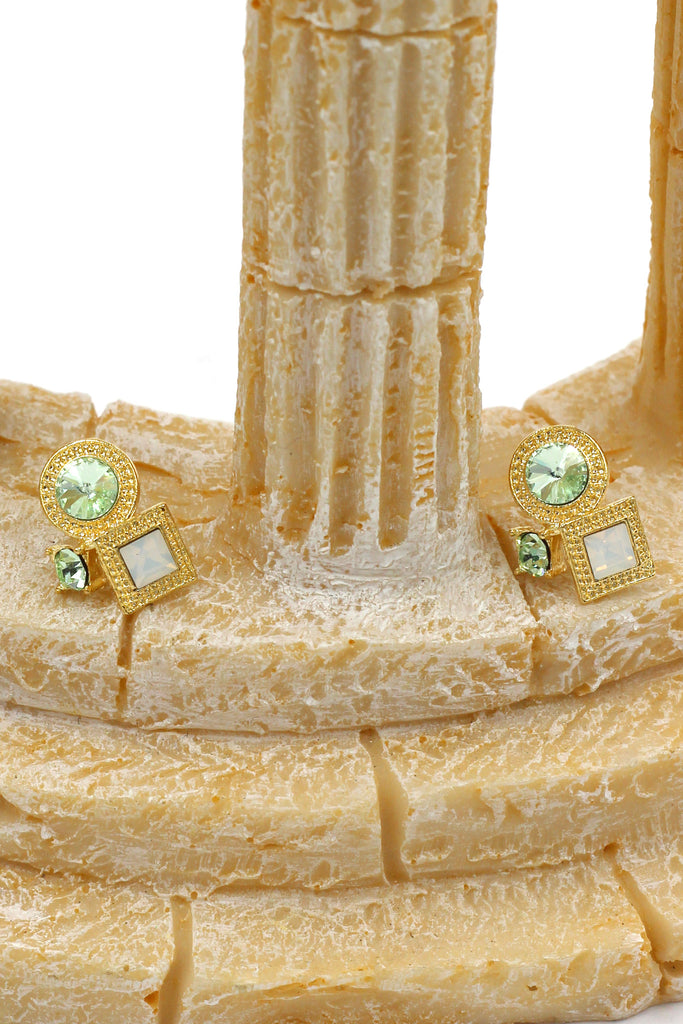 fashion golden rim crystal earrings