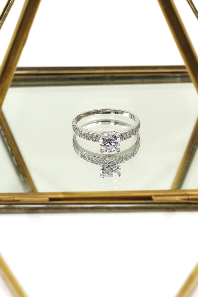 classic mosaic crystal ring