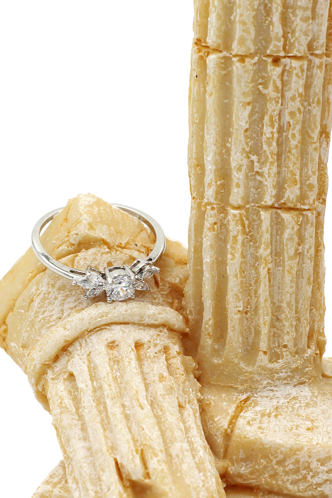 fashion flower small crystal ring