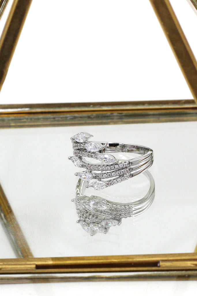 elegant crystal shining ring