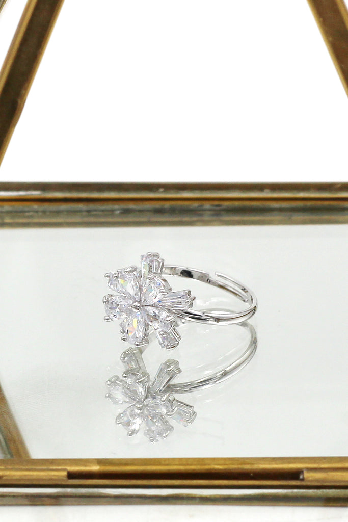 sparkling crystal double flower silver ring