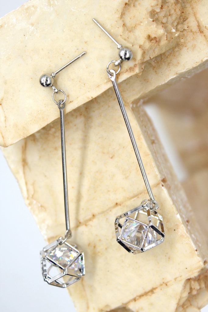 diamond pendant necklace earring set