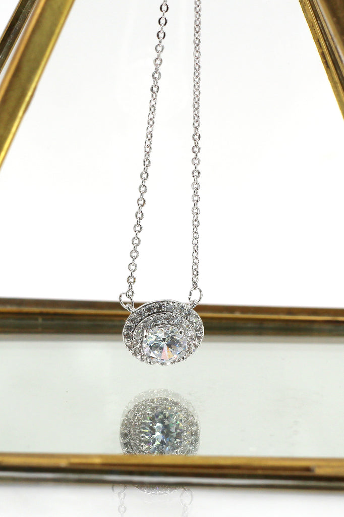 sparkling crystal clavicle necklace earrings set