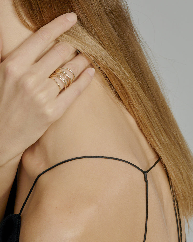 Entangled Ring Gold | Sarah & Sebastian onBody