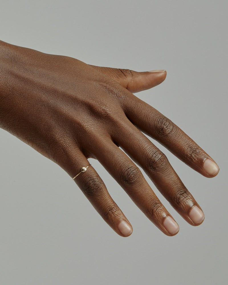 Fine Cell Ring Gold | Sarah & Sebastian onBody