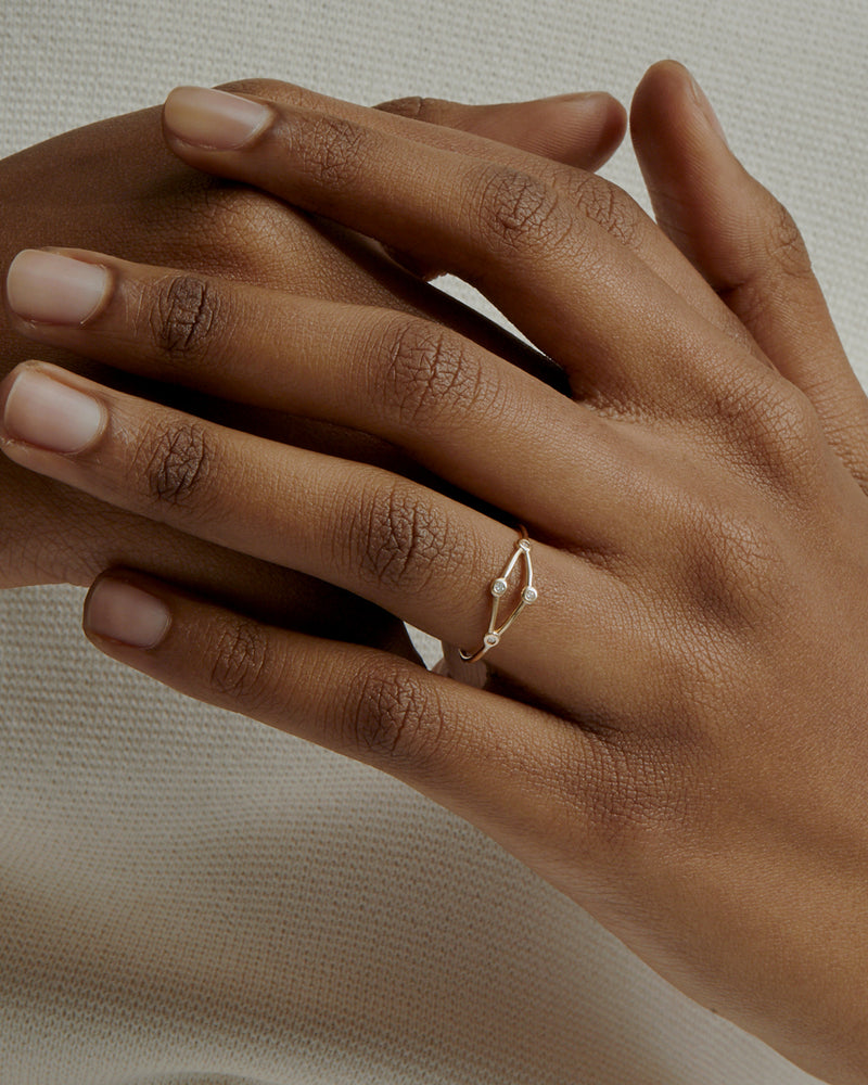 Fine Net Diamond Ring Gold | Sarah & Sebastian onBody